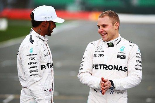 F1 2017 2018 マクラーレン・ホンダ エンジン不調 原因 振動 フェルナンド・アロンソ 移籍 残留 メルセデスAMG フェラーリ レッドブル