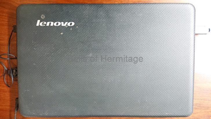 執筆環境 ノートパソコン Windows Update 容量不足 重いWindows Chromebook軽い Acer Aspire One Cloudbook 11 AO1-131-F12N/K USBメモリ SanDisk Cruzer Glide USB 3.0 Flash Drive SDCZ600-064G Chromebook Lenovo S330 ChromiumOS Neverware CloudReady Dell Vostro 2520 G550 Chromebook化